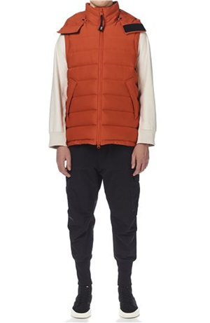 SEAMLESS DOWN HOODED VEST